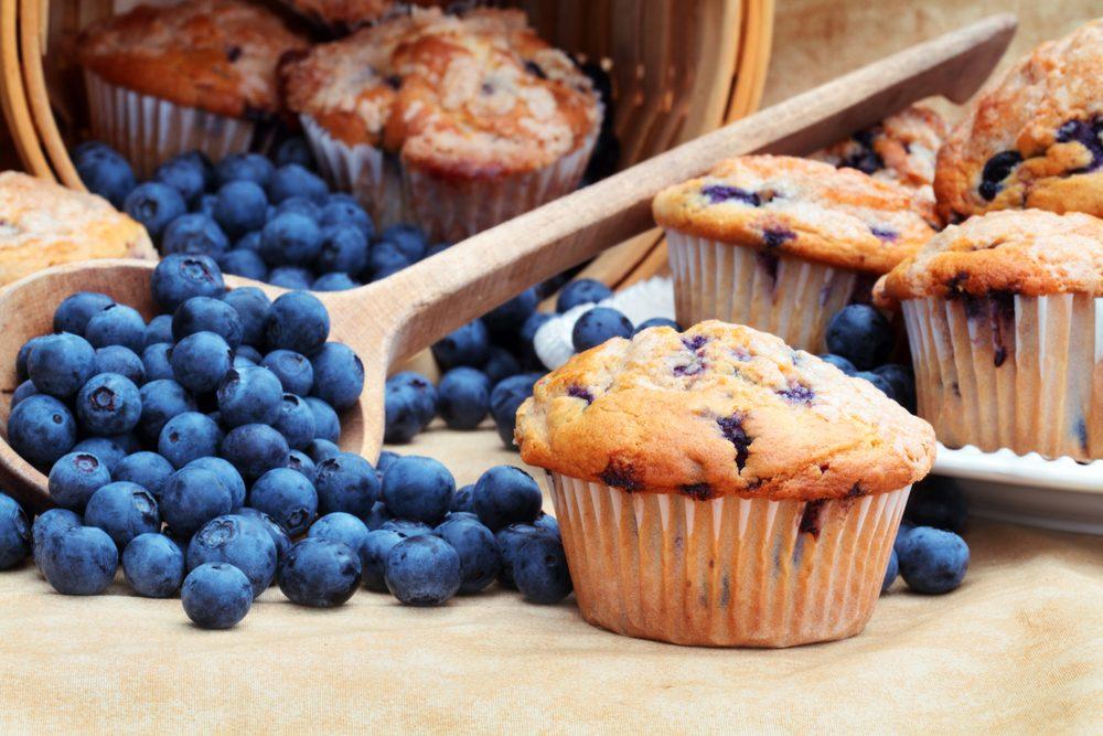 Une recette de muffins aux bleuets et légumes