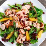 Salade à l'onglet, sauce au sésame et à l'orange