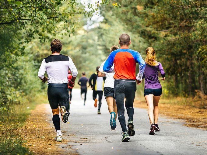 Vous devriez courir au moins trois fois par semaine pour une course à pied de 5 km.