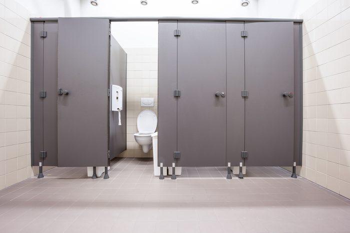 Toilettes publiques, bactéries mythes et vérités.