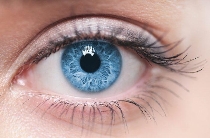Votre oeil saute? Découvrez les raisons pour lesquelles votre oeil a tendance à sauter.