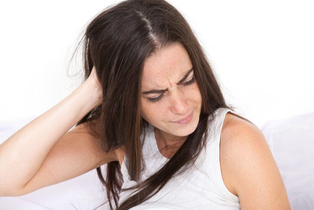 Mal de tête après une nuit de sommeil.