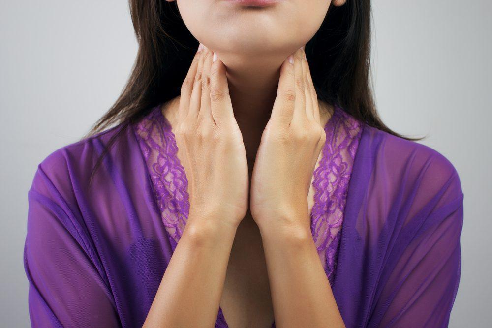 Parmi les raisons de la prise de poids, les problèmes de glande thyroïde. Découvrez les autres raisons et causes médicales d'un gain de poids.
