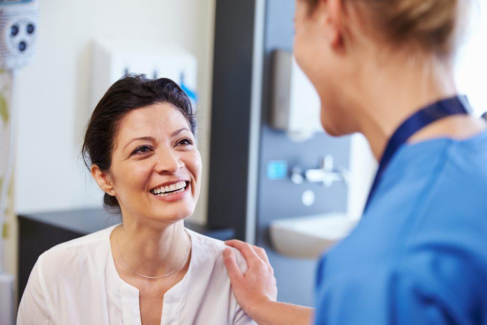 Le syndrome des ovaires polykystiques peut entraîner un gain de poids.