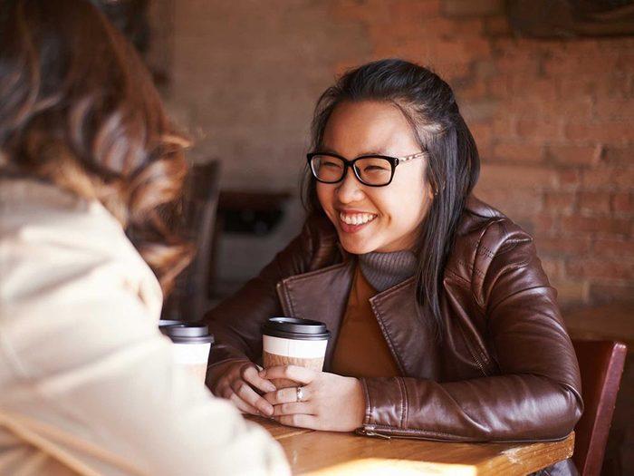 Les bienfaits du rire: il augmente la confiance en soi.