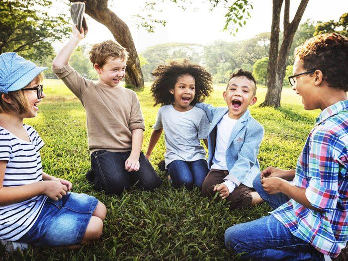 Les bienfaits du rire: il aide à supporter la douleur.