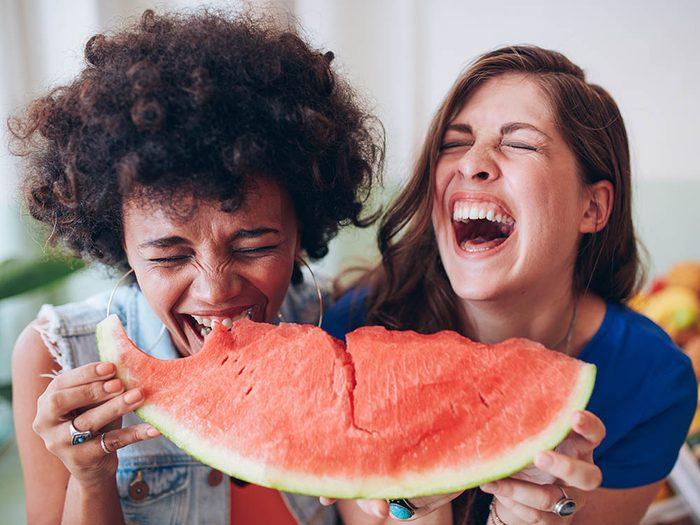 Les bienfaits du rire: c'est bon pour le moral.