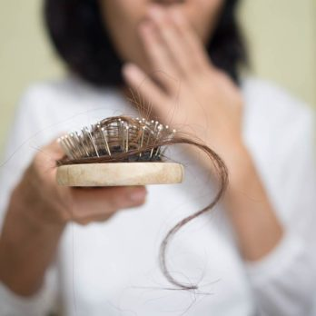 5 mythes et réalités sur la chute des cheveux