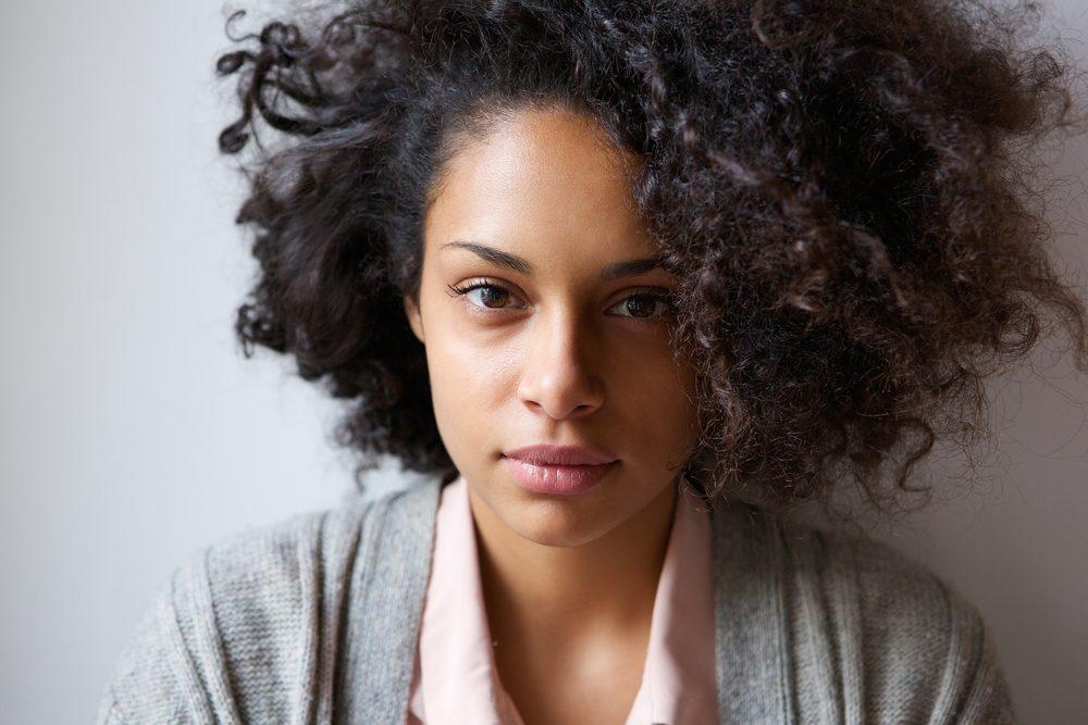 Le look naturel chez la femme (et l'homme!) sont des valeurs sûres.