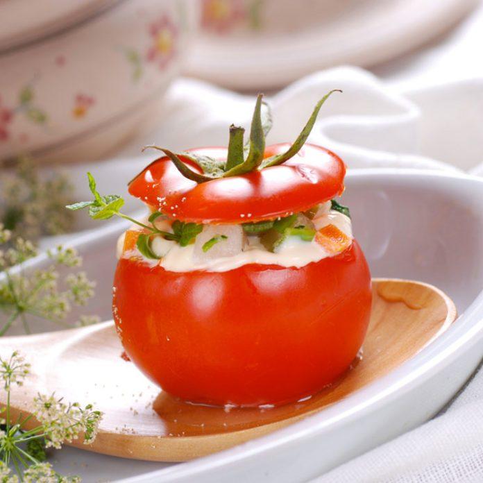 Tomates farcies aux concombres à la grecque