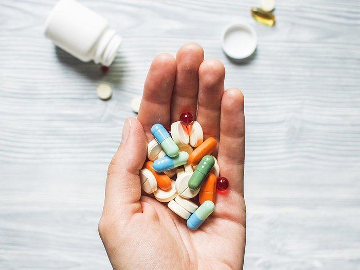 Pour mieux vivre, soyez vigilant avec les médicaments que vous prenez.