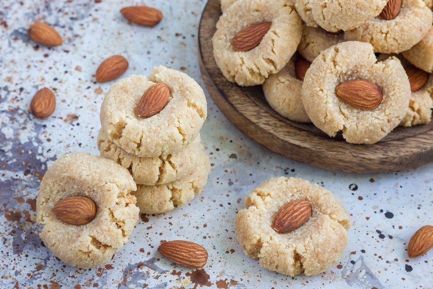 Une recette de biscuits au beurre d'amandes santé.