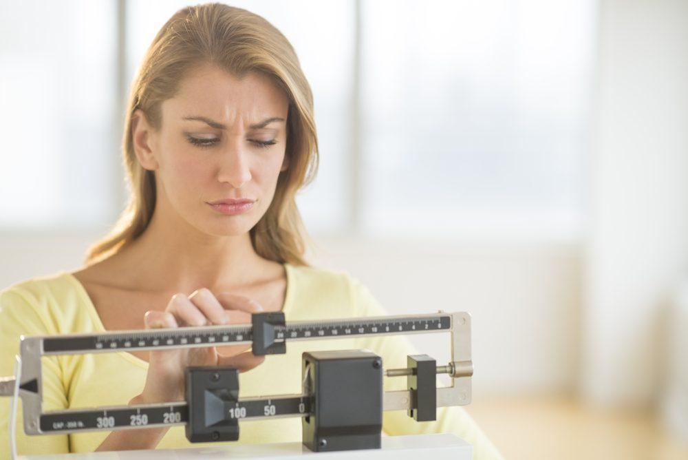 Perdre du poids: votre poids peut fluctuer et vous donner l'impression que vous n'arrivez pas à maigrir.