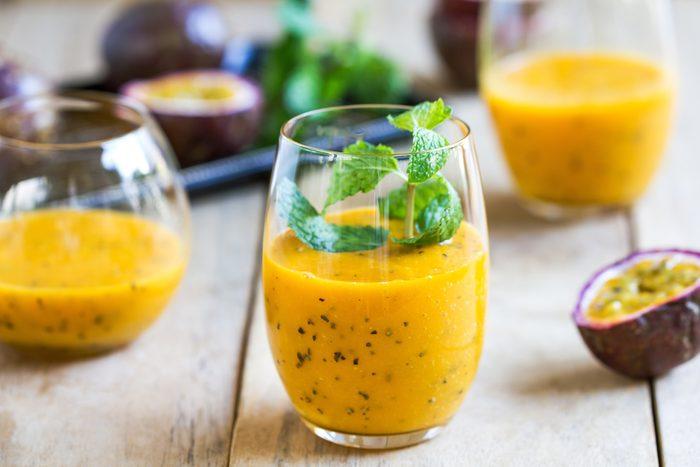 Une recette de smoothie santé aux fruits tropicaux