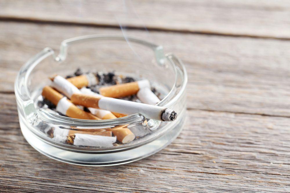 Les articles de fumeurs parmi les causes fréquentes d'incendie.