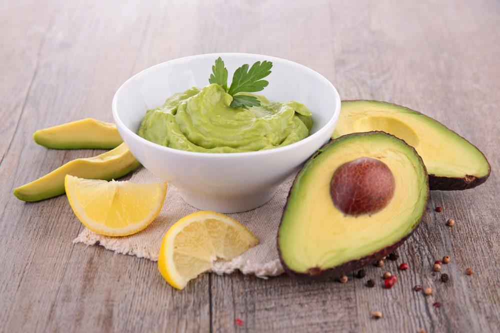 Vous pouvez prévenir l'oxydation du guacamole ou d'une salade de fruits avec du citron.