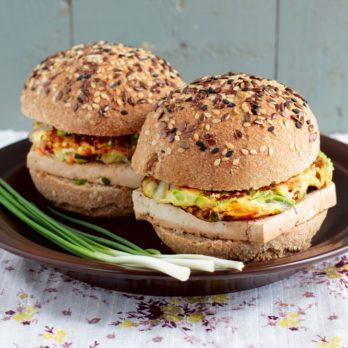 Hamburgers épicés au tofu et aux carottes