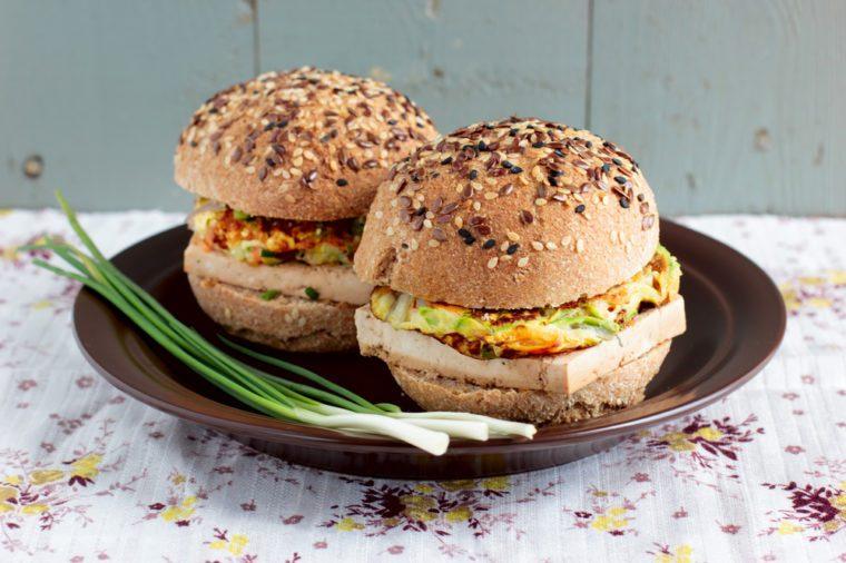 Une recette de burgers faibles en cholestérol
