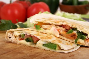 Quesadillas fromage-tomate
