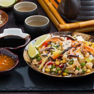 Riz sauté au tofu et aux legumes