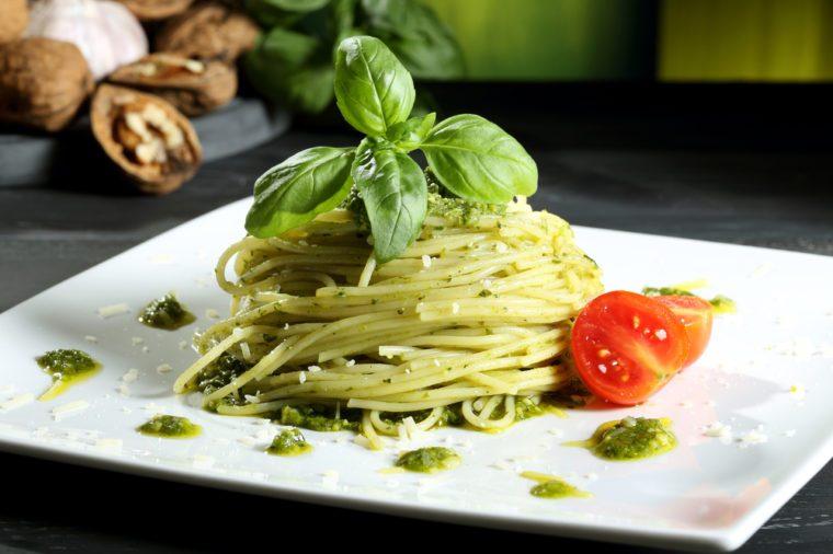 Une des meilleures recettes de spaghetti au pesto de roquette.