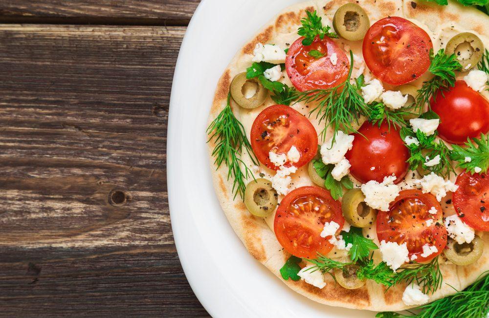 Une des meilleures recettes végétariennes de pizzas sur pita