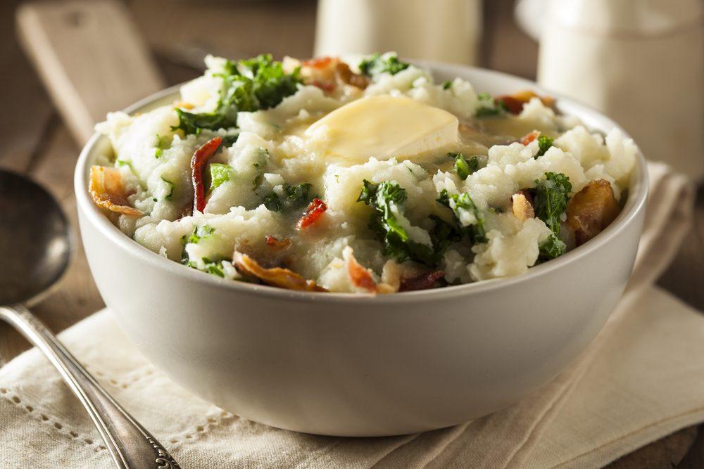 Une recette santé pour les hommes de purée de pommes de terre au chou vert et poireaux