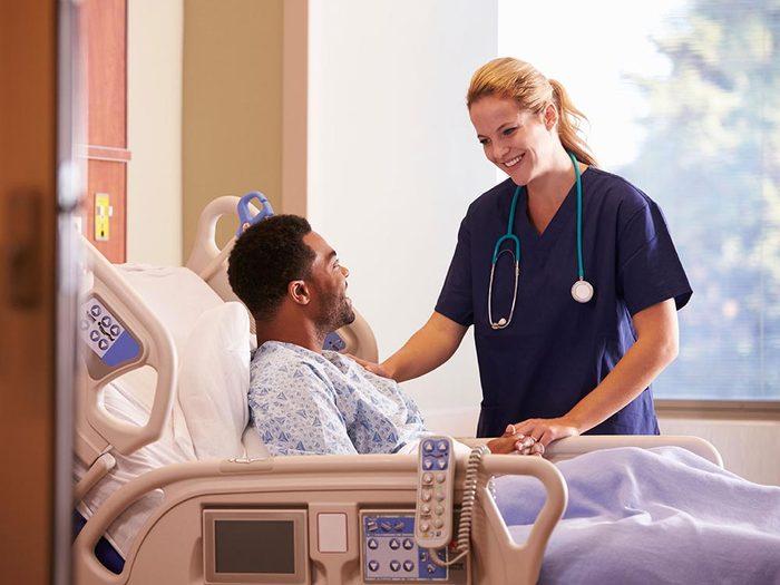 L'hypnose peut soulager les douleurs après une opération.