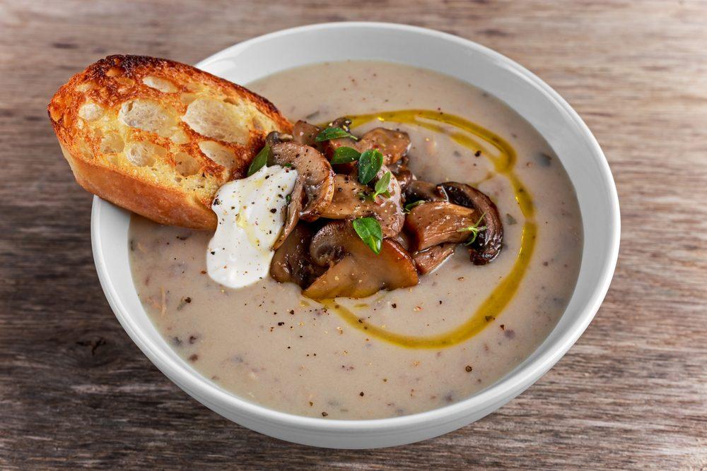 Une recette de soupe aux champignons