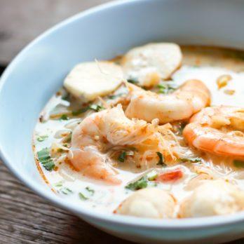 Soupe thaïe aux crevettes Tom Yum