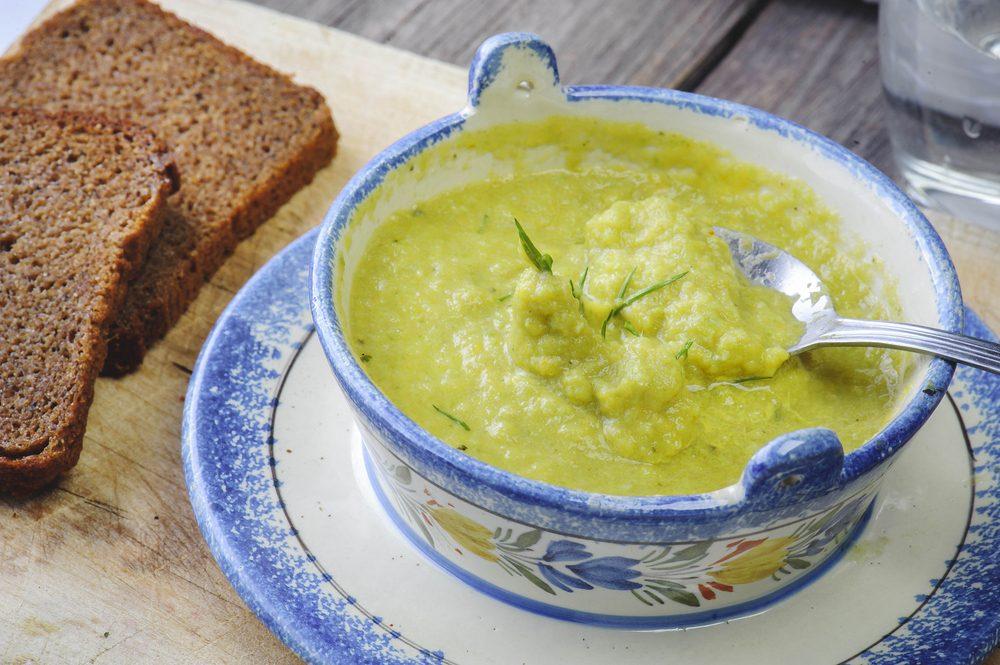 Une recette de soupe aux épinards faible en calories