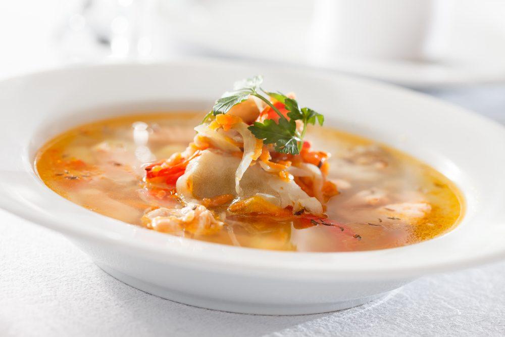 Une recette de soupe au poisson faible en calories