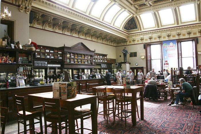 Édimbourg, l'une des meilleures villes où prendre une bière