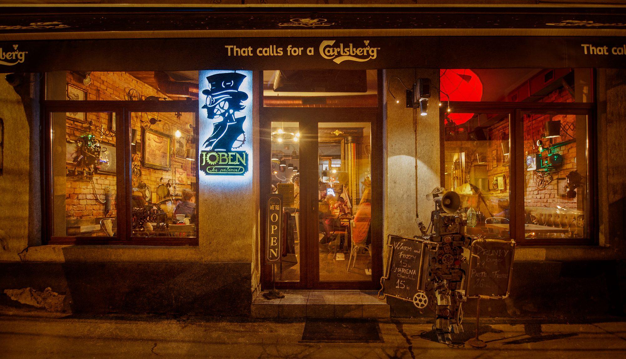 La Roumanie comporte de bonnes villes pour prendre une bière