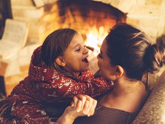 Consacrez du temps à vos amis et à vos enfants pour avoir un bon sommeil.