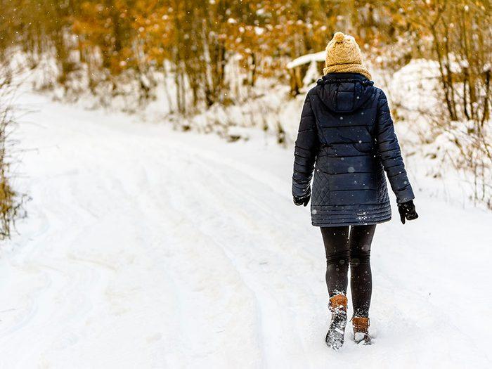 Allez marcher dans la neige pour un sommeil récupérateur.