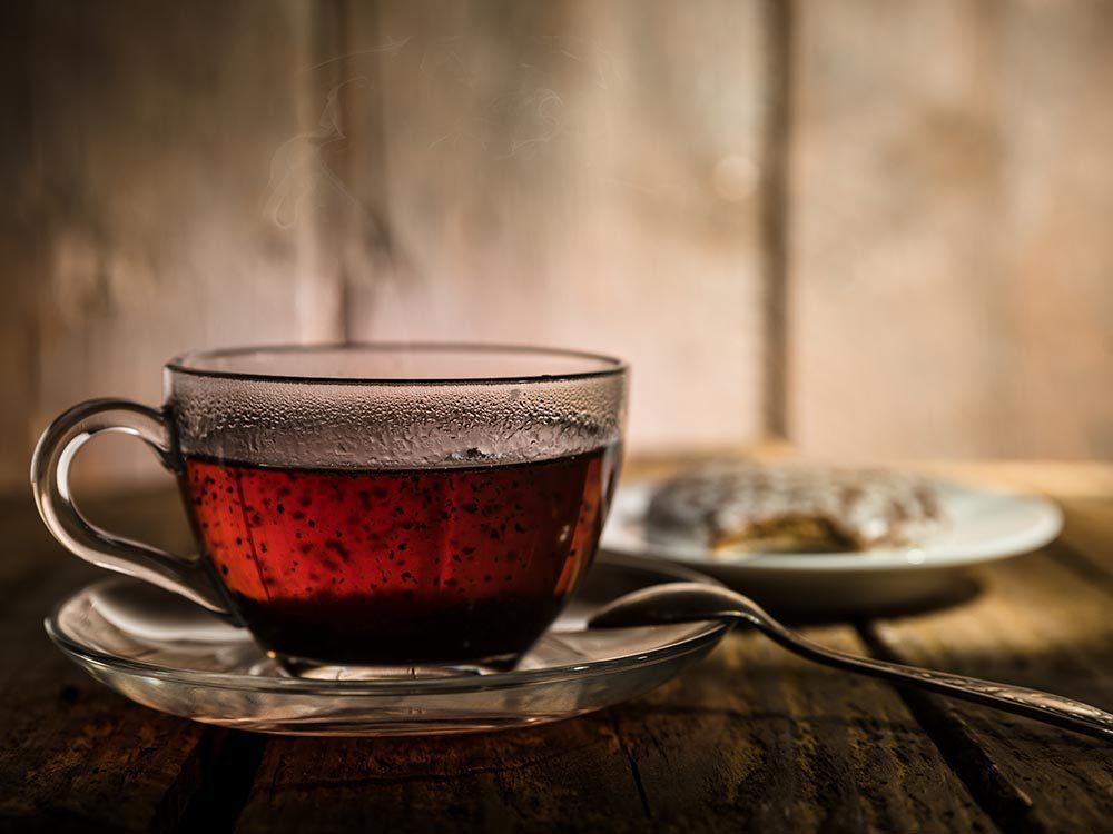 Ostéoporose : favorisez le thé noir.