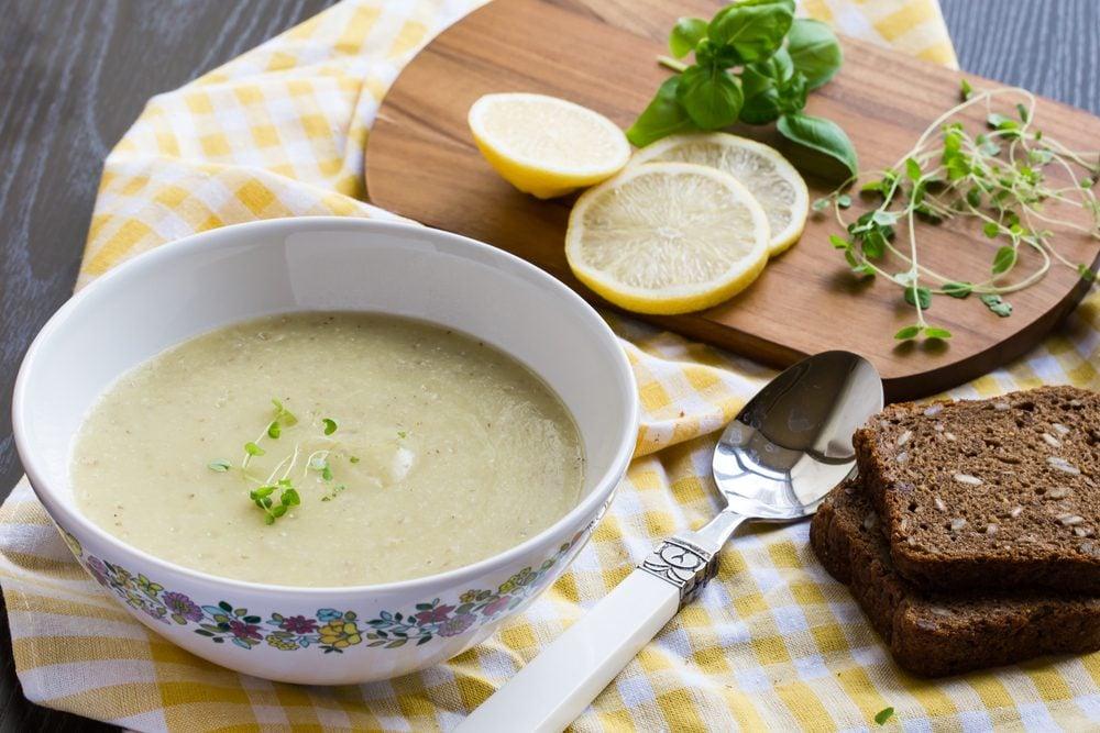 Une recette à base de citron de soupe froide à la courge