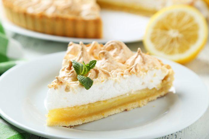 Des recettes à base de citron comme cette tarte au citron.