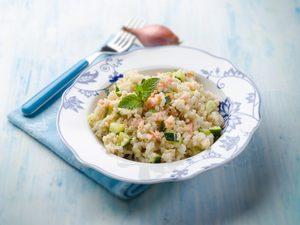 Pilaf de saumon aux deux riz et aux petits pois