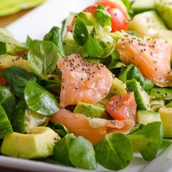Salade de saumon aux petits pois et à l'aneth