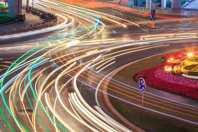 Conseils en matière de conduite pour les carrefours giratoires.