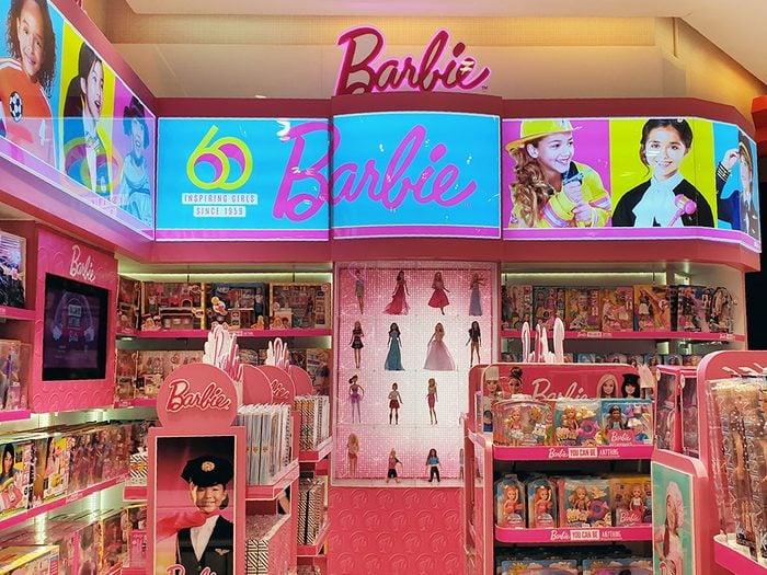 Le magasin de jouets Barbie à Bangkok.