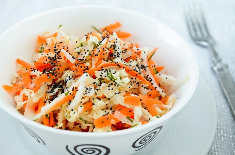 Une recette de salade santé au chou à l'asiatique.