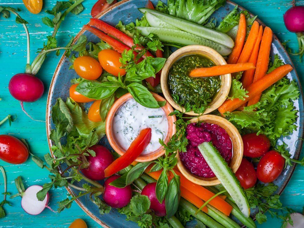 Pour des repas santé en famille, ajoutez des crudités à vos repas.