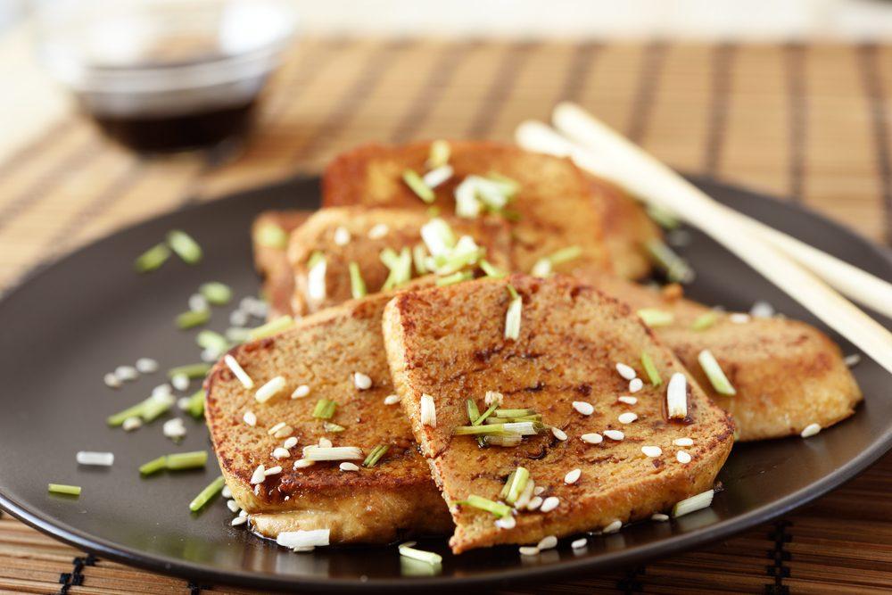 Une recette de salade santé au tofu