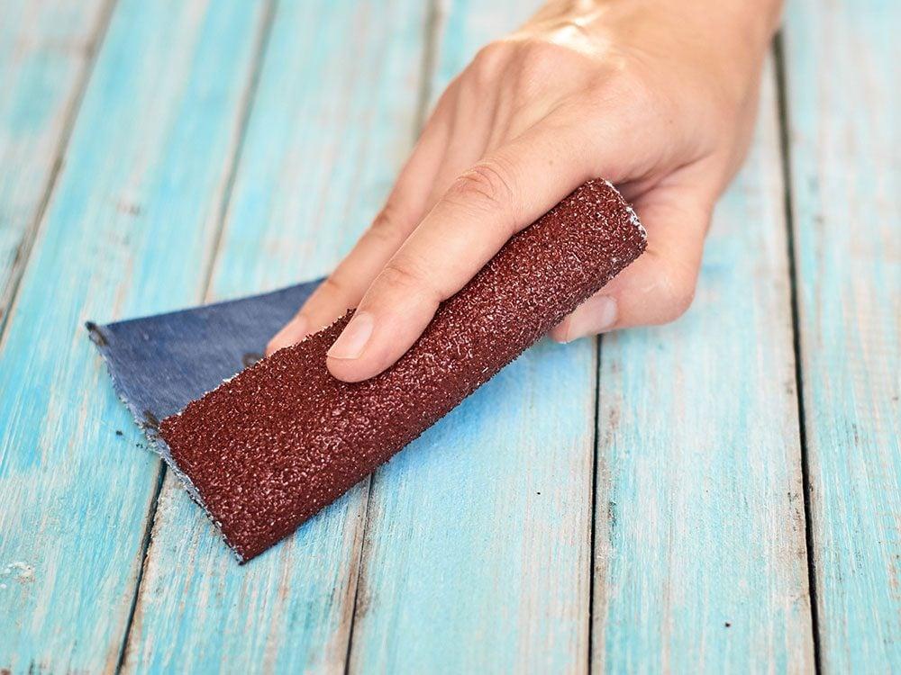 Voici 5 trucs inusités à faire avec du papier sablé.