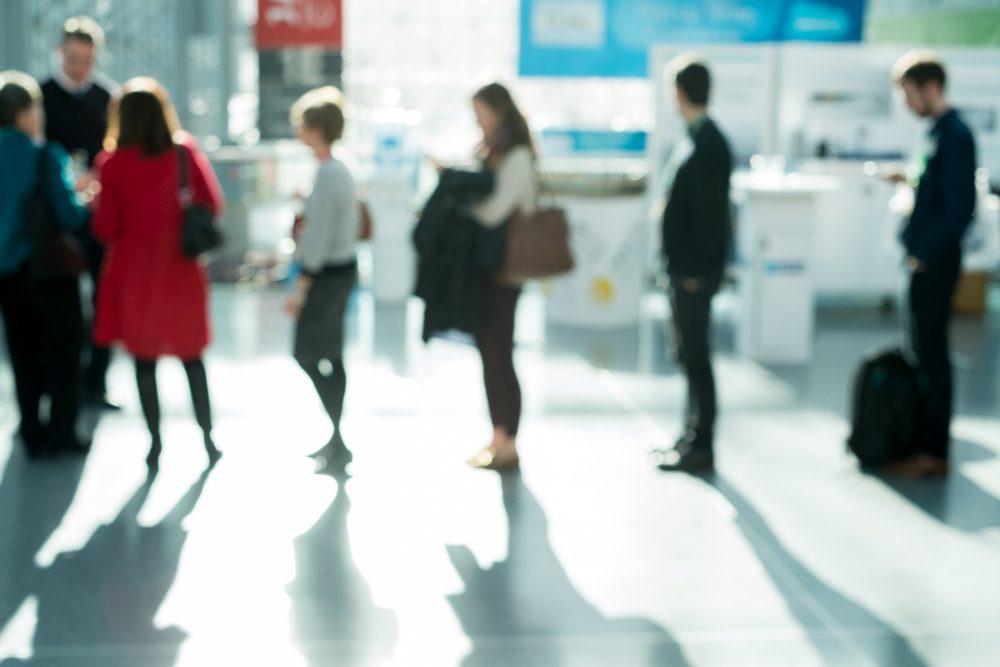 Si vous voyagez souvent, vous pouvez payer un peu d'argent pour éviter les files d'attente.