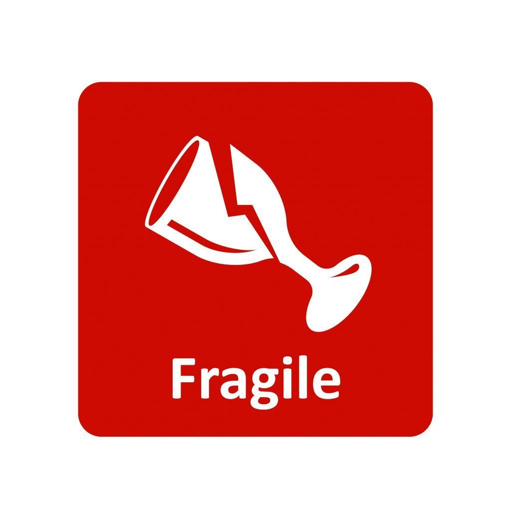 Attention aux objets fragiles dans les valises.