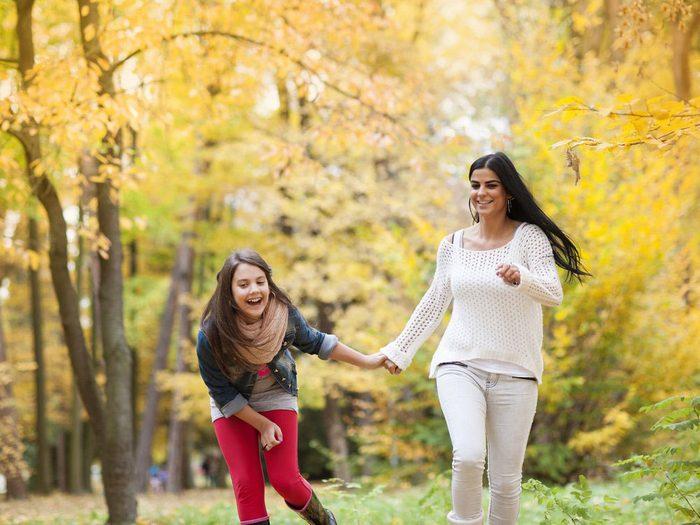 La marche avec l'ado est une bonne façon de perdre du poids.